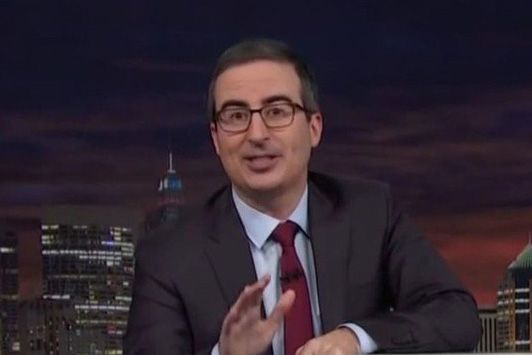 John Oliver v pořadu Last Week Tonight