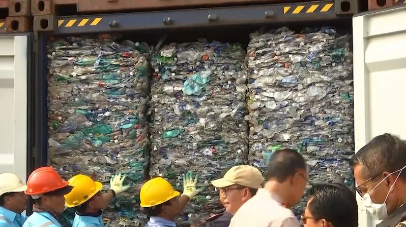 Indonésie posílá odpad zpátky na Západ
