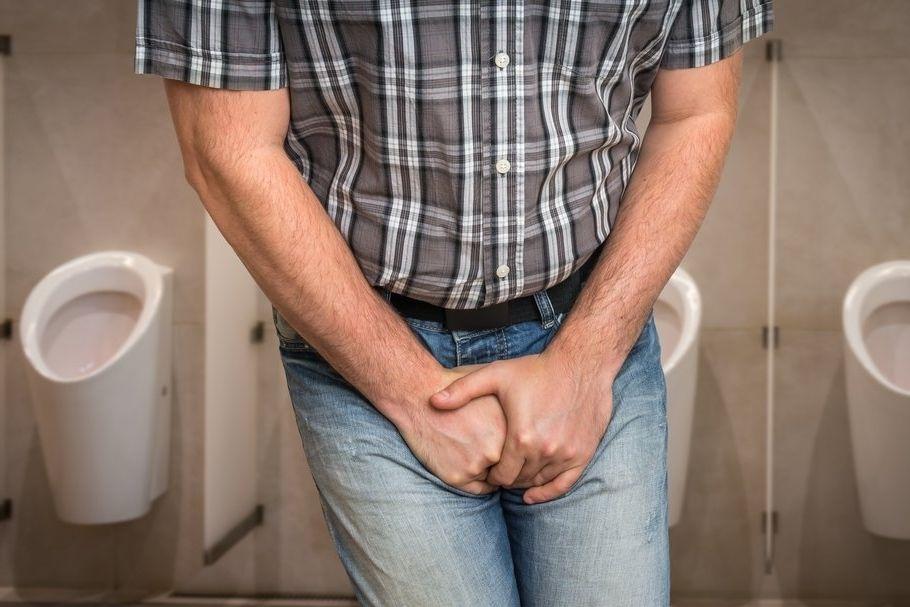 Potíže s únikem moči řeší podle průzkumů každý čtvrtý muž starší čtyřiceti let.