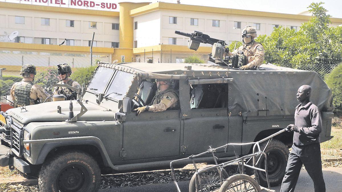 Vláda schválila vyslání vojáků do Mali, Nigeru a Čadu