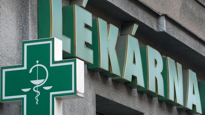 Menší lékárny doplácejí na praxi SÚKL