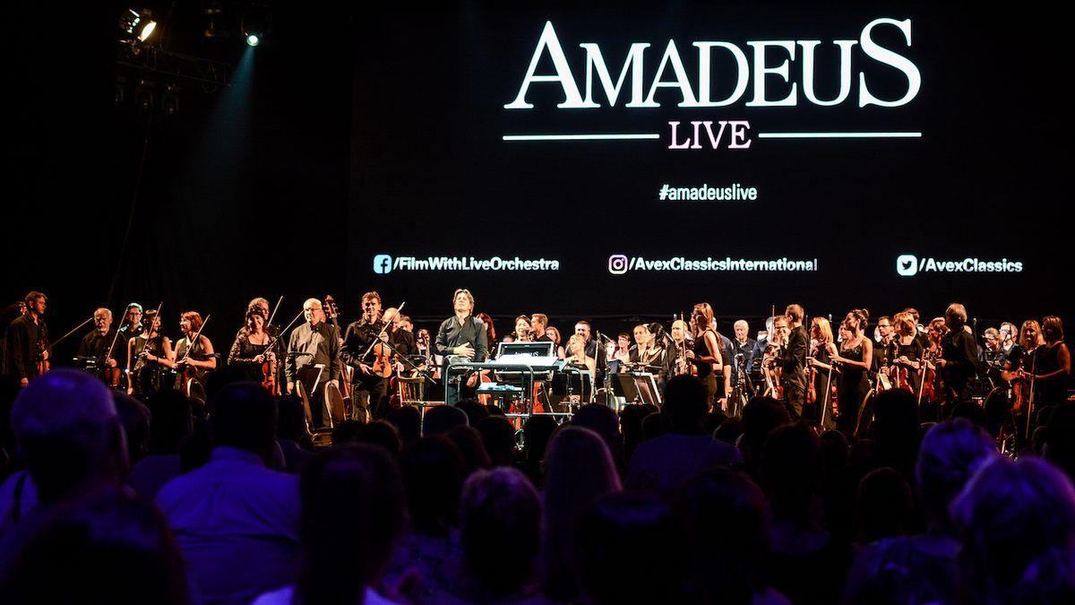 Koncertní verze Amadea dala Soundtracku výjimečný punc. Příští rok bude Skyfall, možná i Brosnan