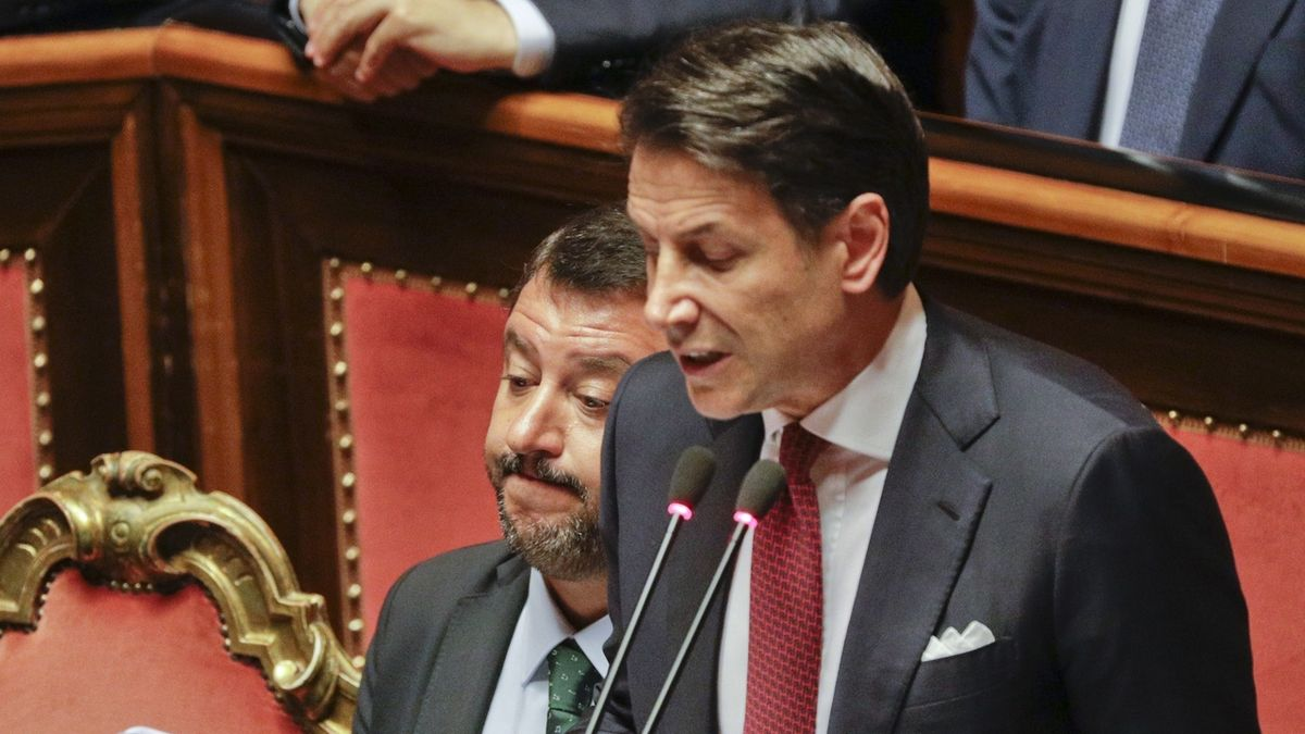 Italská vláda končí, premiér podal demisi