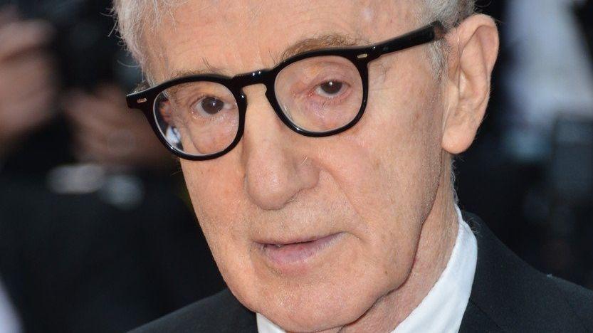 10 tipů na snímky Woodyho Allena: Annie Hall, Vicky Cristina Barcelona nebo Půlnoc v Paříži