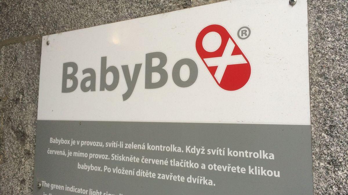V pelhřimovském babyboxu našli novorozence v tašce