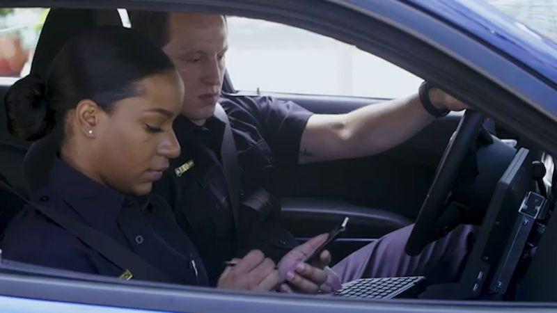 Vysloužilé počítače nahradí u americké policie mobily