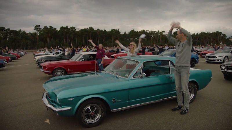Na sraz Mustangů do Belgie dorazil rekordní počet aut