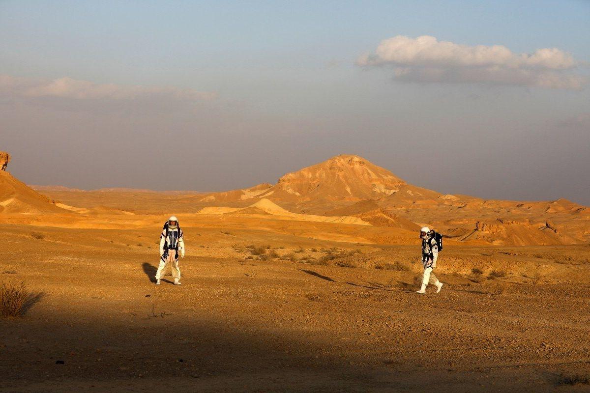 Negevská poušť v Izraeli, vhodné místo pro simulování pobytu na Marsu
