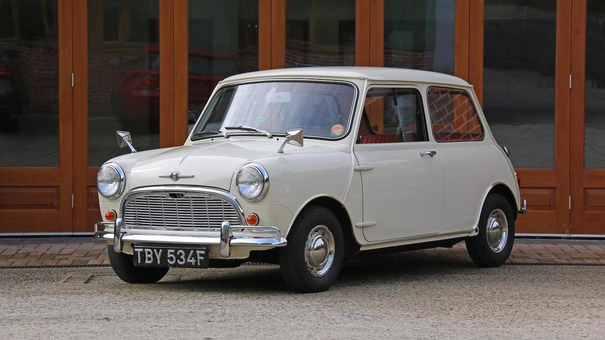 Morris Mini-Minor Super De Luxe z roku 1968.