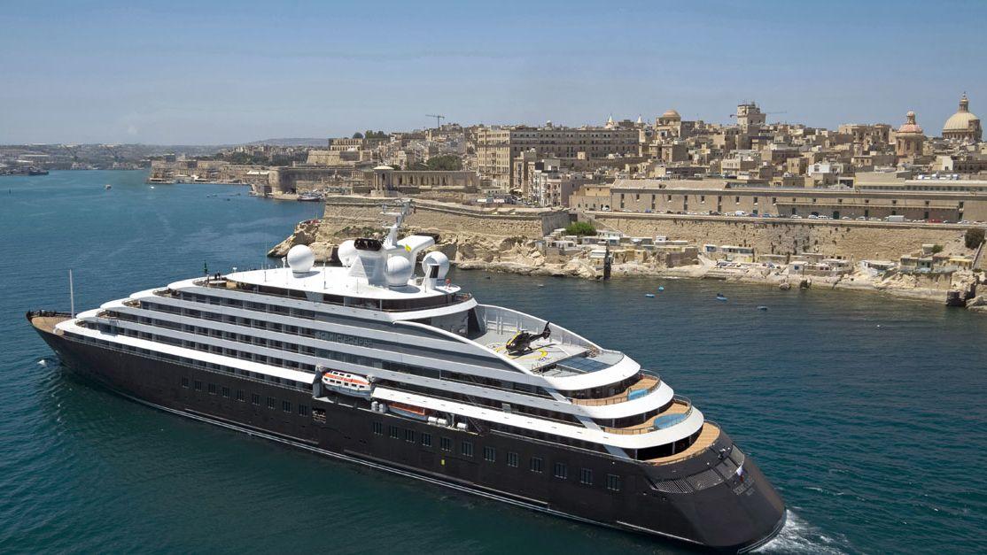 Nejluxusnější výletní loď světa vyrazila na svou první plavbu