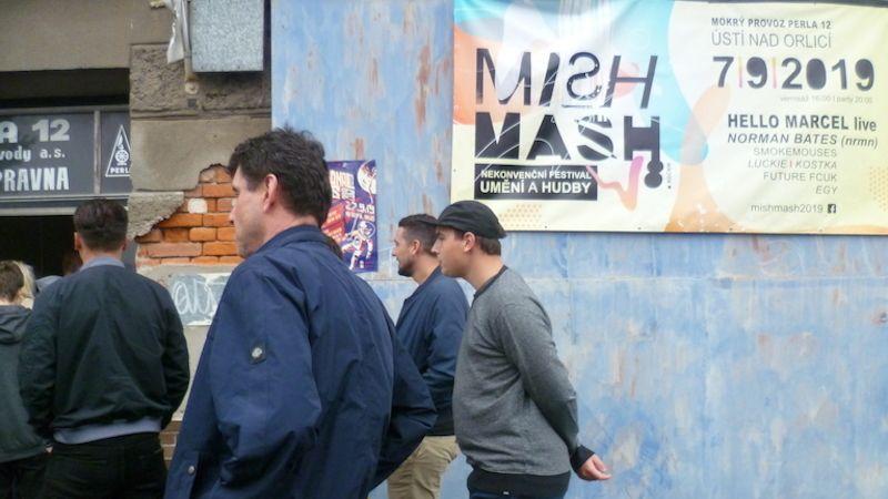 Obraz zatracení avzkříšení nabízí nekonvenční festival umění ahudby Mish Mash