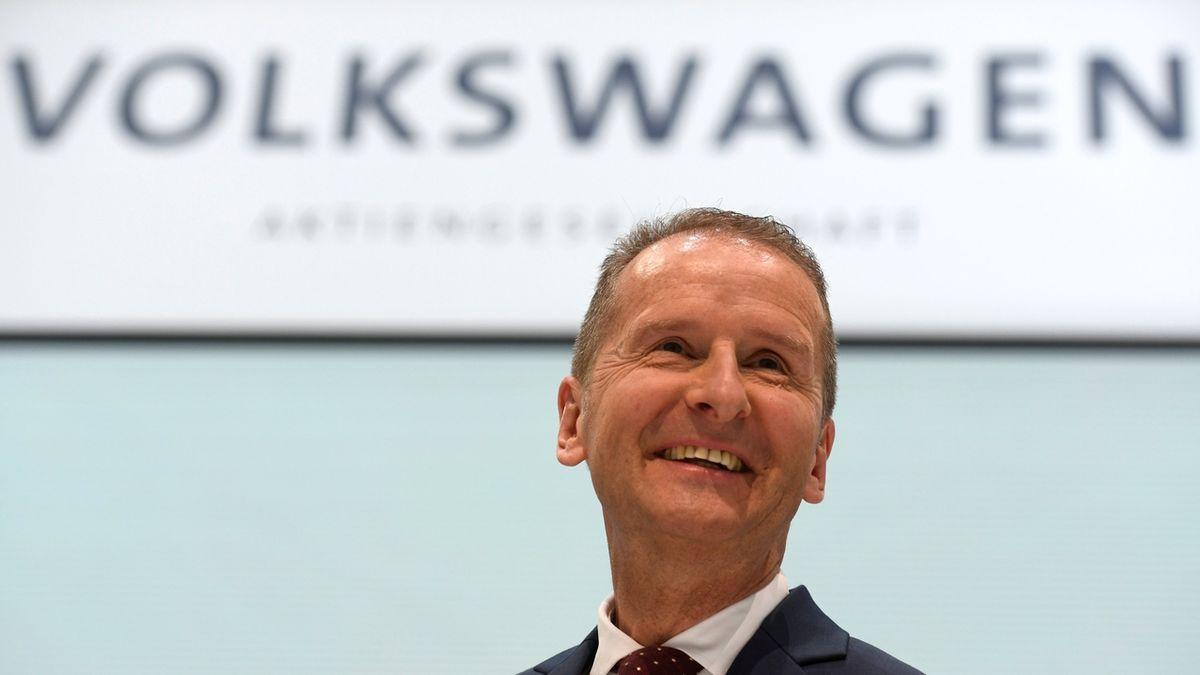 Diess zůstane v čele Volkswagenu. Akcionáři jsou spokojeni, že vede firmu k elektromobilitě