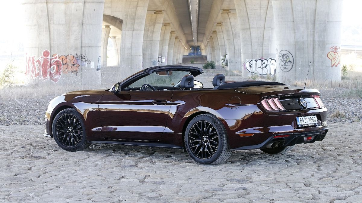 Ford Mustang GT Convertible - test