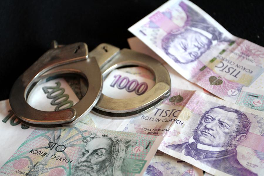 Podvody s praním špinavých peněz na internetu
