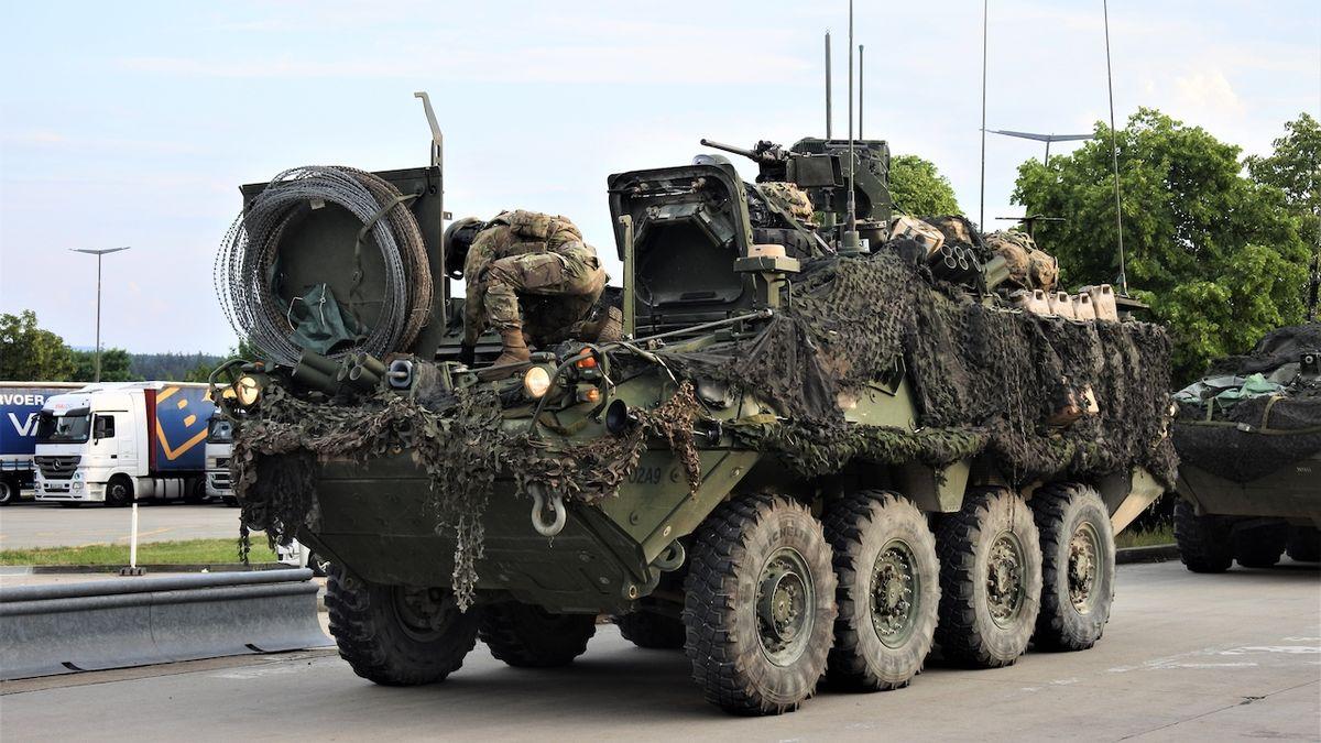 Americké konvoje v noci projedou Českem