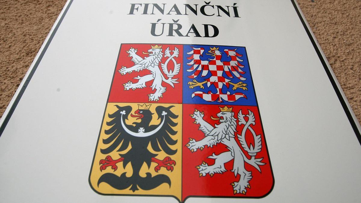 Finanční úřad léta vyměřoval daň starému i novému majiteli. Jednoho neváhal poslat do exekuce
