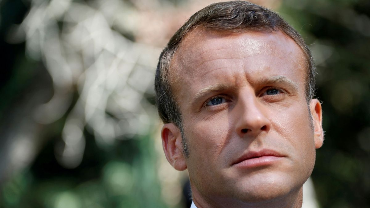 Ať si stávkují, reforma důchodů bude, prohlásil Macron