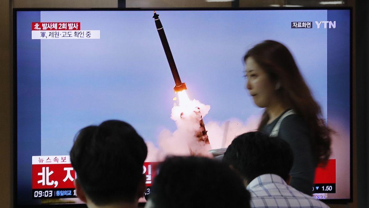 KLDR vypálila další dvě rakety krátce poté, co slíbila obnovu jednání s USA