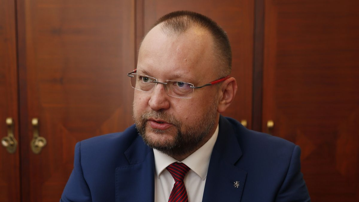 Bartošek: Podpoříme vyšší penze nad valorizaci o 150 korun měsíčně