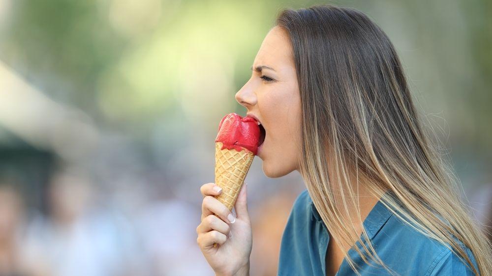 Když po zmrzlině či ledovém nápoji bolí hlava