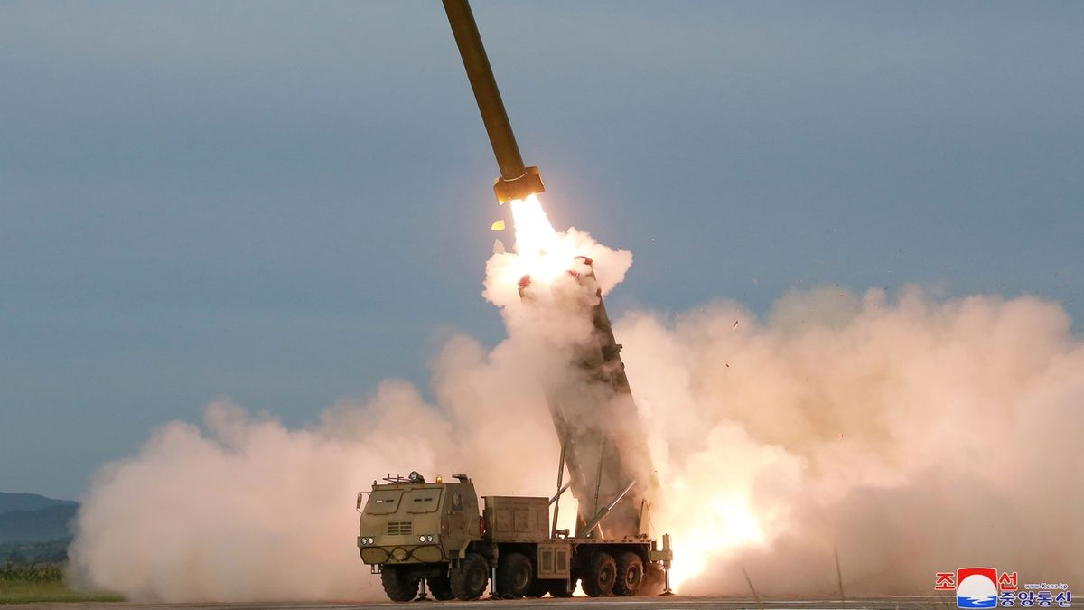 KLDR otestovala dvě balistické rakety krátkého doletu