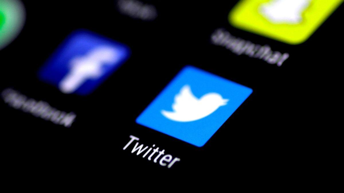 Twitter začal v Rusku odstraňovat obsah, který úřady považují za škodlivý