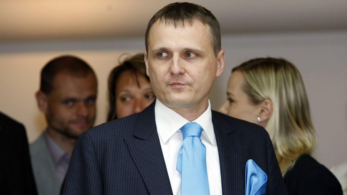 Ministerstvo uspělo s dovoláním ve sporu s Vítem Bártou o 20 milionů