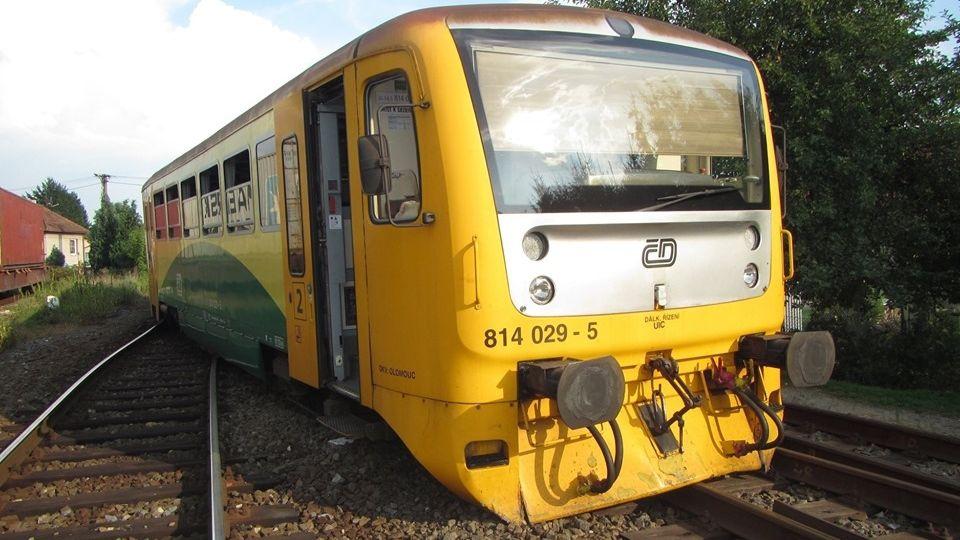 Na Zlínsku vykolejil vlak s cestujícími