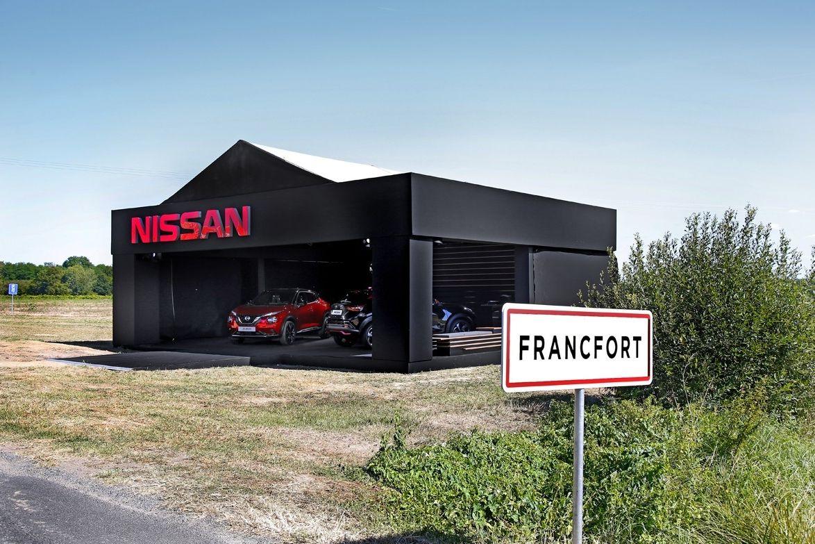 Stánek Nissanu ve Francfortu