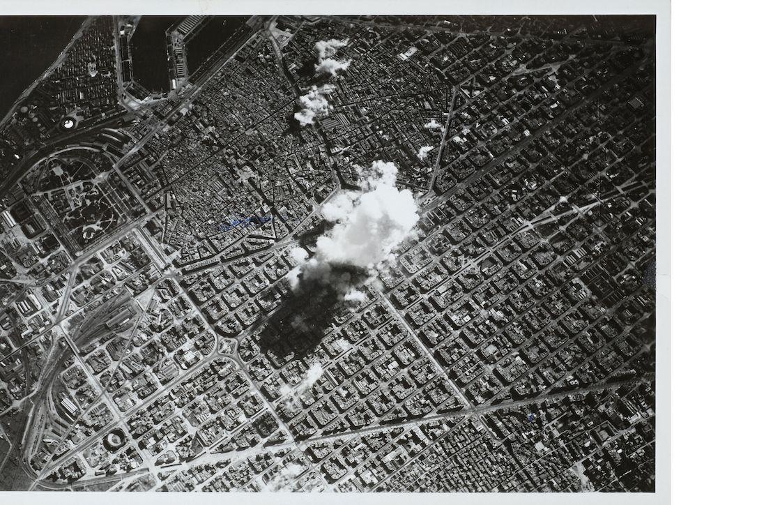 Fotografie pořízená italským letectvem, Barcelona, 18. března 1938