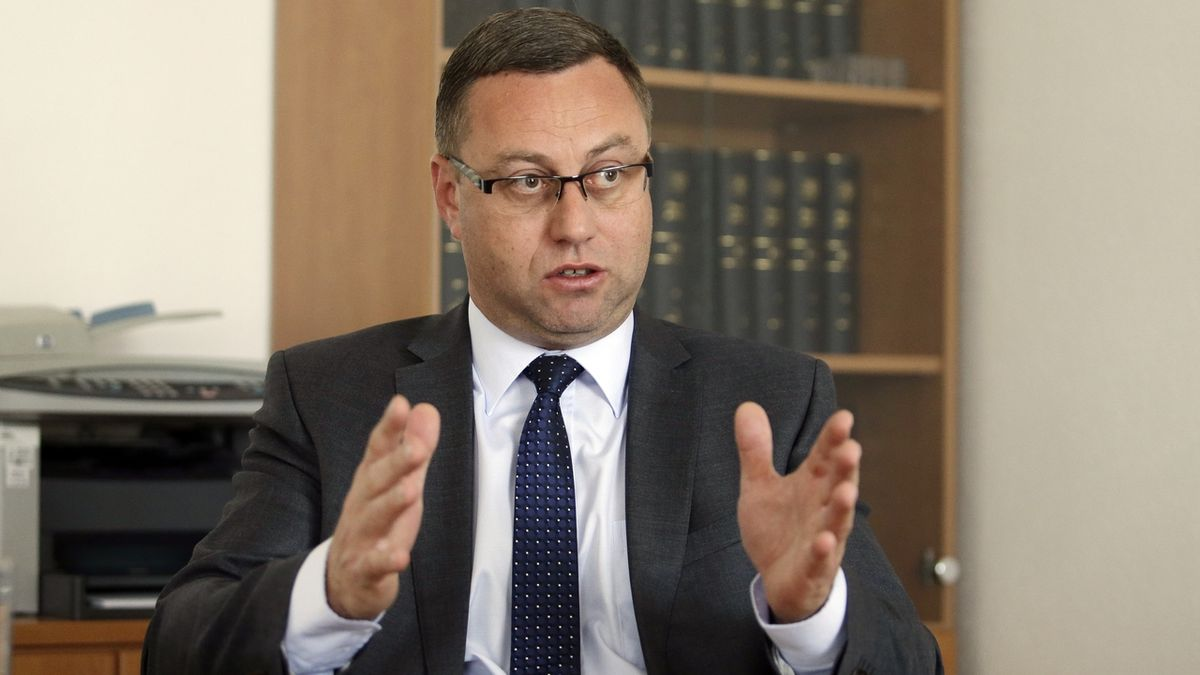 Zákon o státním zastupitelství má umožnit přeobsazení postů, tvrdí šéf žalobců Zeman
