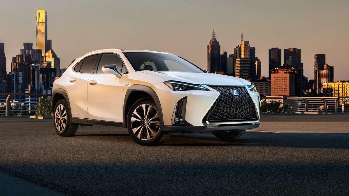 Lexus nakonec povolil. Po odmítání elektromobilů jeden brzy představí