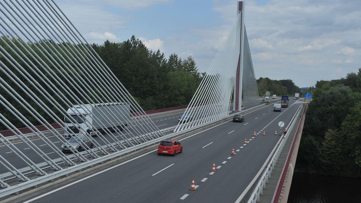 Dálnice D11 na hranice s Polskem by mohla být hotová v roce 2026