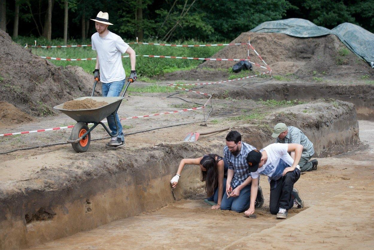 Archeologické seznamovací systémy