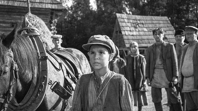 Úspěch českého filmu: v užších nominacích na Oscary jsou Nabarvené ptáče a animovaná Dcera