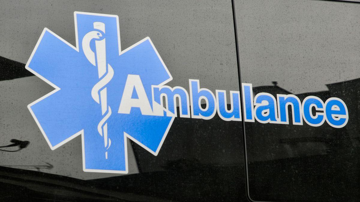 Čtyři lidé zahynuli při čelní srážce dvou aut na Novojičínsku