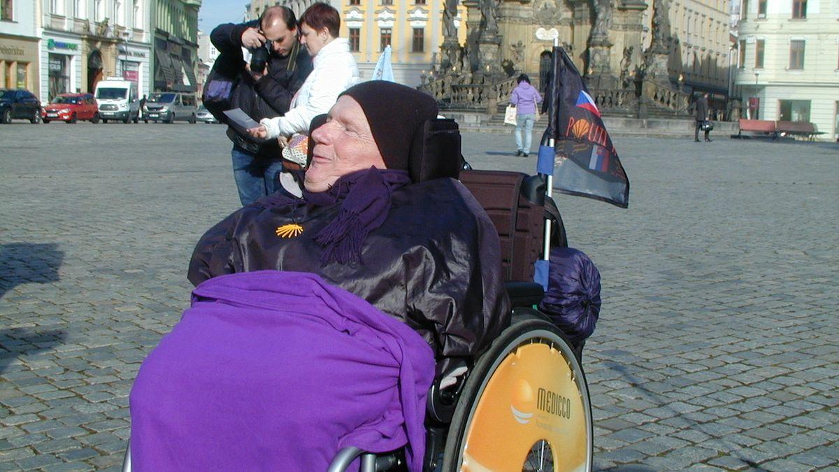 Na pouti do Španělska zradilo českého vozíčkáře zdraví, zemřel ve Francii