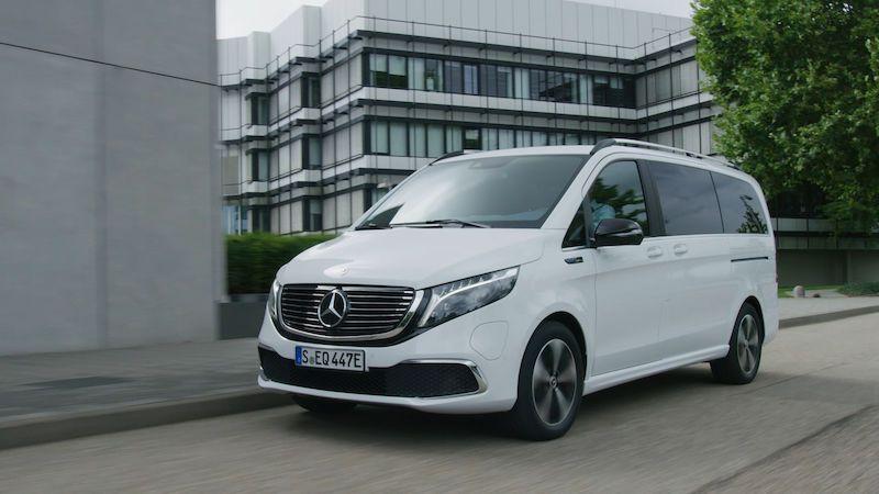 Třída V od Mercedesu přijíždí poprvé jako elektromobil