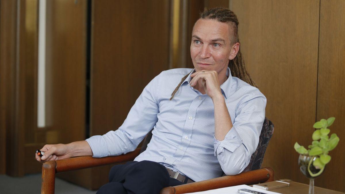 Voliče chceme brát hlavně ANO, plánuje šéf Pirátů Bartoš