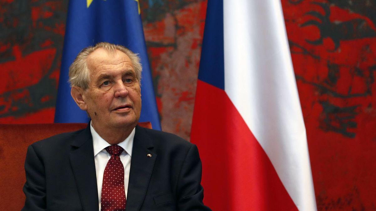 Zeman trvá na oduznání Kosova a bude přesvědčovat Babiše, Kuberu a Vondráčka