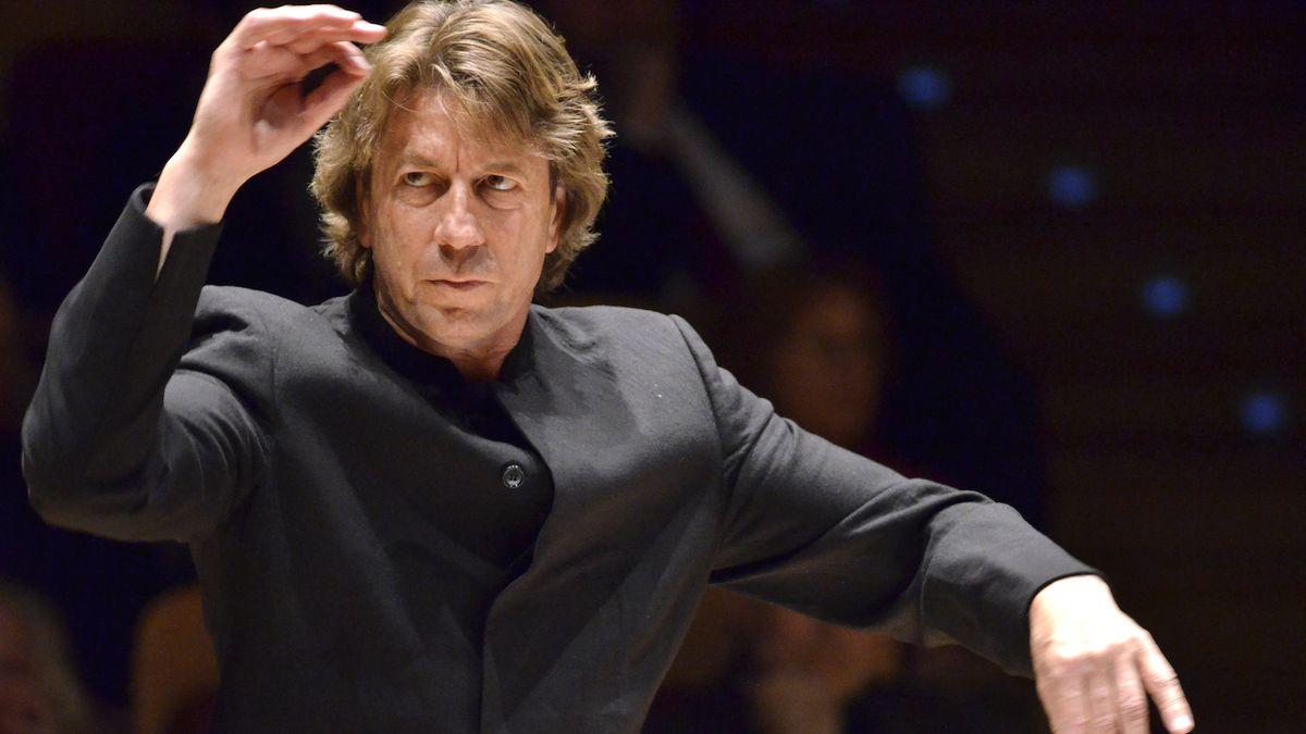 Dirigent Ernst Van Tiel: Forman Mozarta ztvárnil výjimečně