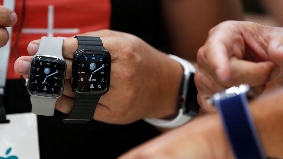 Češi si oblíbili platby chytrými hodinkami a náramky