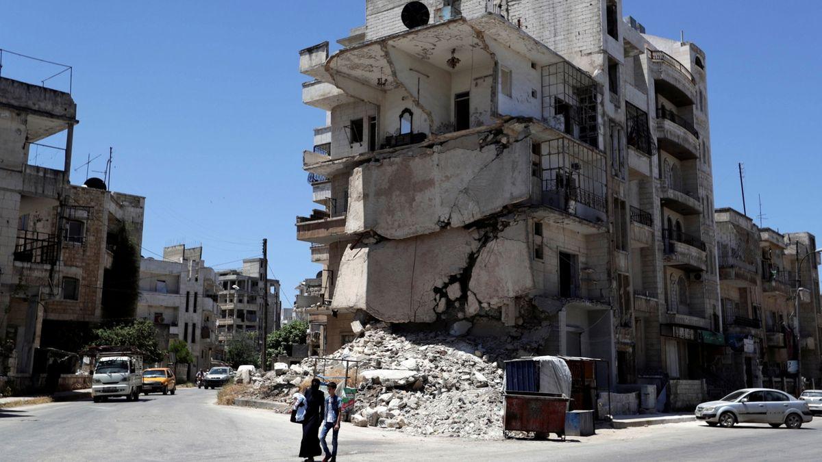 Syrská armáda po pěti letech vstoupila do Chán Šajchúnu ovládaného džihádisty
