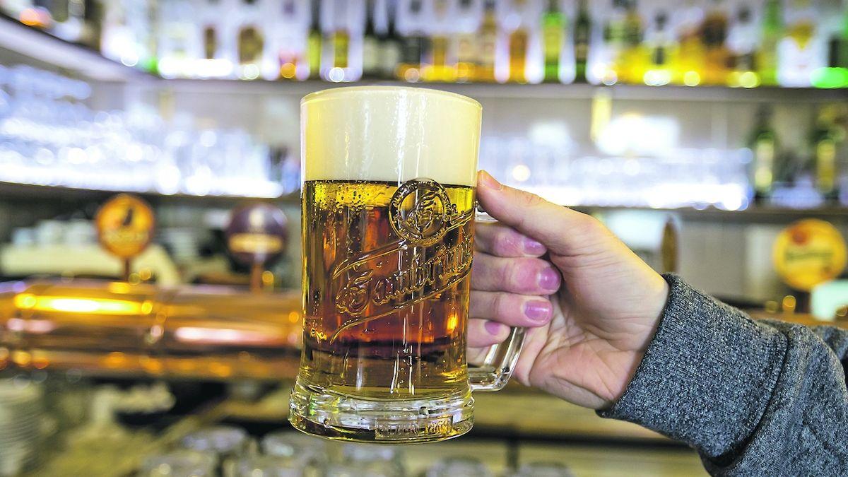 Minus čtrnáct piv na hlavu. Češi loni vypili nejméně piva od 60. let