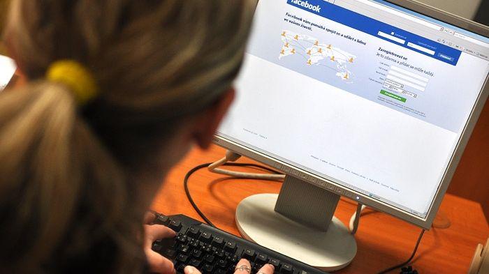 Češi se s on-line světem sžili, ukazují statistiky