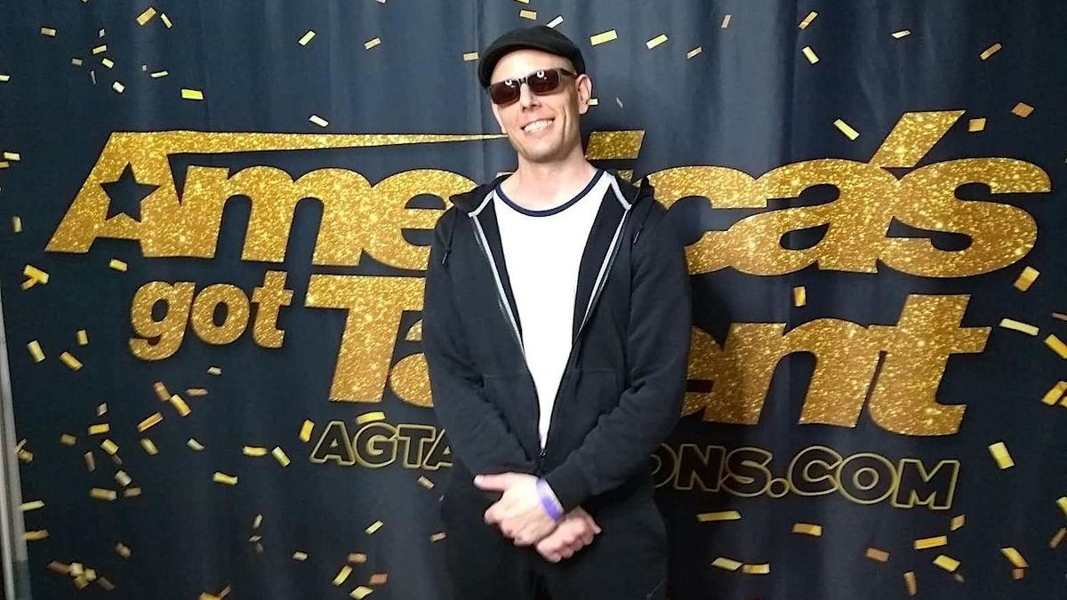 Světlomalíř Alex Dowis uspěl v soutěži America's Got Talent