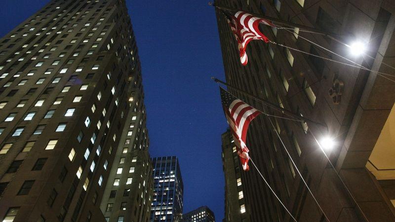 Americké banky prošly zátěžovým testem, Fed uvolní restrikce