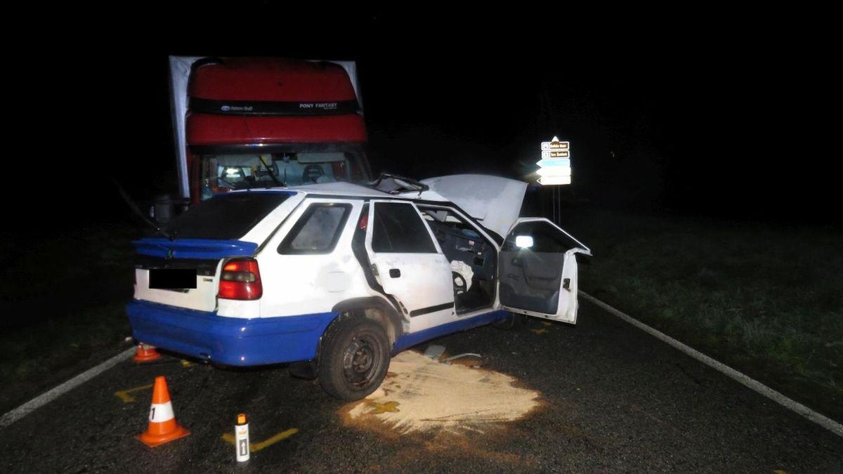 Nehodu na Českobudějovicku nepřežil 18letý řidič