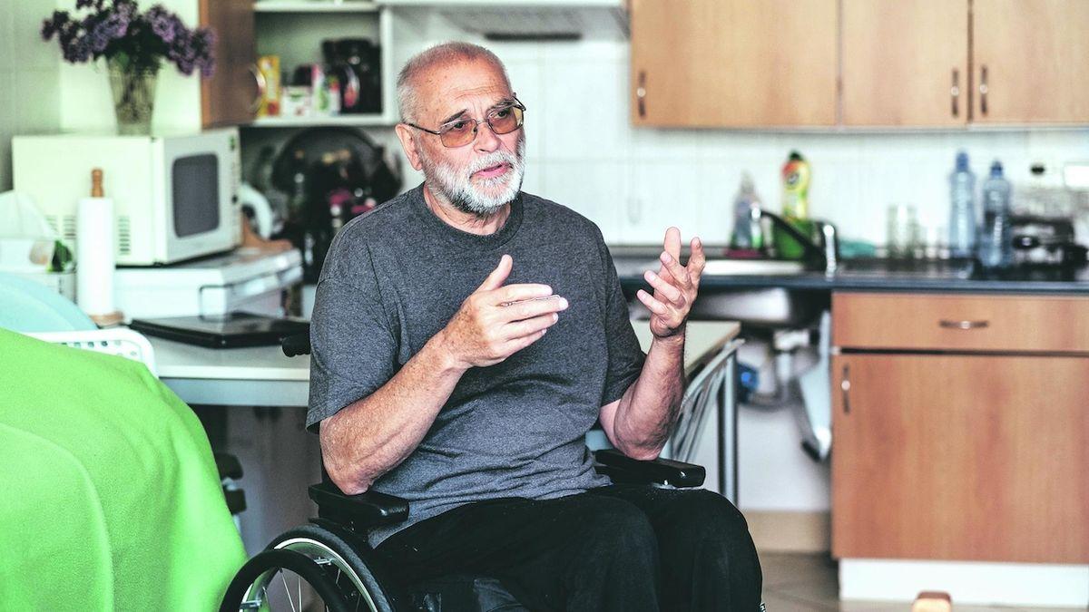 Vozíčkář porazil rakovinu, dokonce závodně vesluje