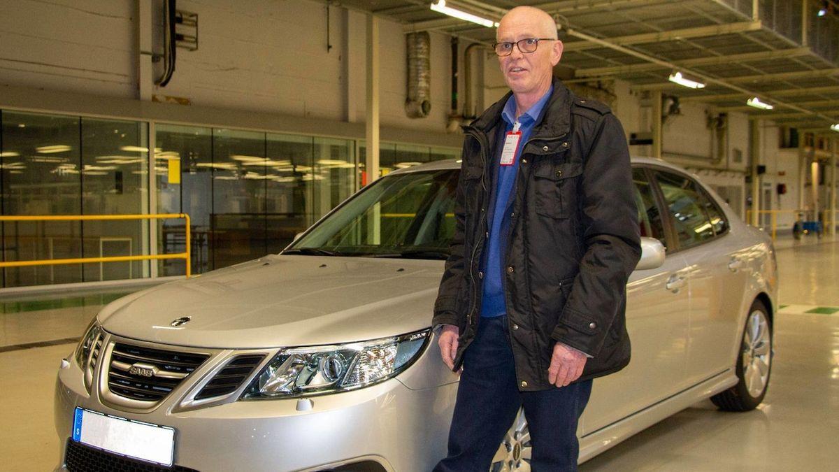 Poslední vyrobený Saab 9-3 vydražen za cenu nového, od roku 2014 neopustil továrnu